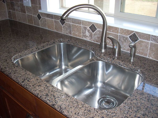 31 Inch Stainless Steel Undermount 60/40 Double Bowl Kitchen Sink