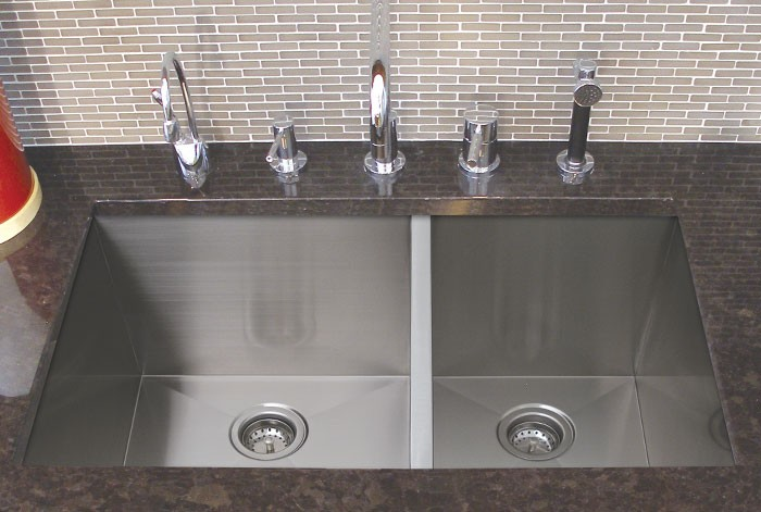 32 Inch Stainless Steel Undermount 60/40 Double Bowl Kitchen Sink